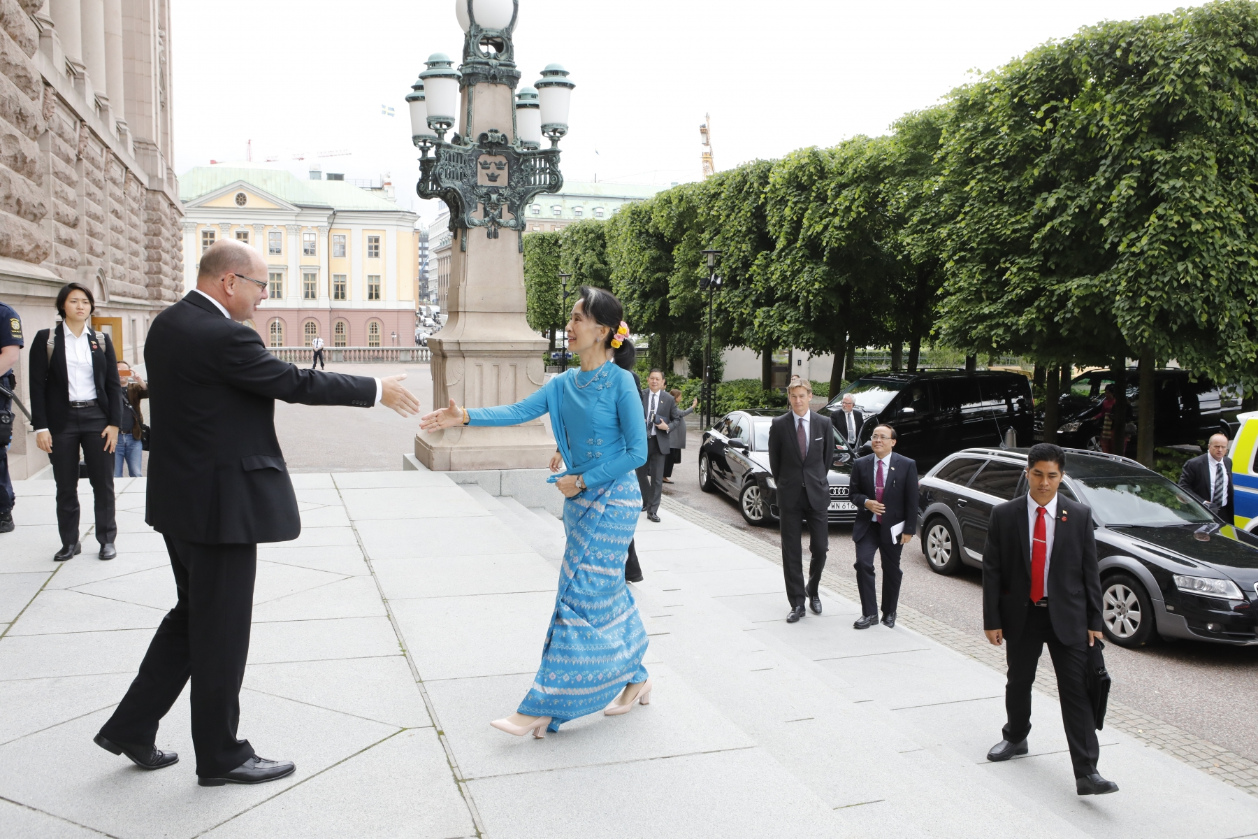 Aung San Suu Kyi visits the Swedish parliament in 2016